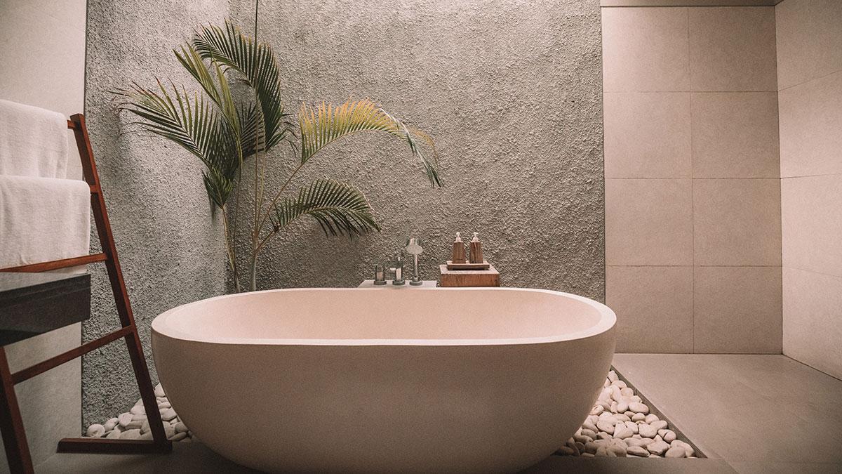 Bathtub in luxury hotel