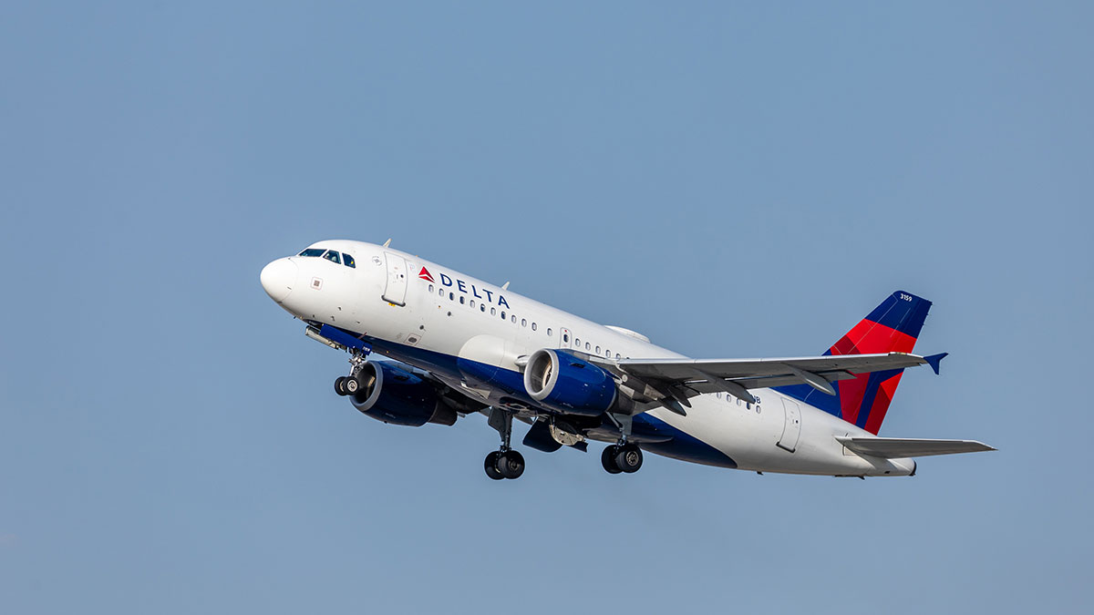Delta flight taking off